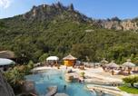 Camping avec Piscine couverte / chauffée Pietrosella - Camping Les Oliviers-1