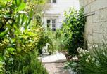 Location vacances Les Verchers-sur-Layon - Bagneux Chateau Sleeps 8 Pool Air Con Wifi-4