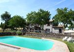 Location vacances  Province de Viterbe - Spacious Farmhouse in Bagnoregio with Swimming Pool-1