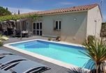 Location vacances Languedoc-Roussillon - Beautiful Villa With Private Swimming Pool in Lirac France-1