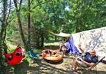 Camping avec Hébergements insolites Dordogne - Le Plein Air des Bories-2