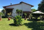 Location vacances  Province de Massa-Carrara - La casa nel verde-1