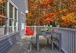 Location vacances Castine - Sandy Point Home with Wraparound Deck - Walk to Beach-2
