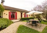 Location vacances Saint-Médard-d'Excideuil - Rustic Holiday Home in Mayac with Private Pool and Terrace-1