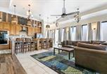 Location vacances New Orleans - Hosteeva Luxury 4 Br Modern Condo on Carondelet Near All Hot Spots-3