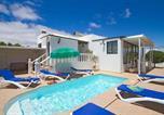 Location vacances Tías - Puerto del Carmen Villa Sleeps 6 Pool Air Con Wifi-1
