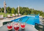 Location vacances Zagrebačka - Stunning home in Bedenica with Outdoor swimming pool, Heated swimming pool and 3 Bedrooms-2