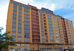 Location vacances  Moldavie - Apartment in the center! Panoramic Windows! Fireplace!-2