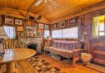Location vacances Buena Vista - Autumnsong Fireside Cabin-Walk to Dt Buena Vista-1