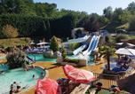 Camping avec Piscine couverte / chauffée Monfaucon - L'Escapade - Camping Paradis-1