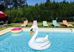Location vacances Clermont-Dessous - Chambres d'hôtes Larroquinière-1