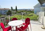 Location vacances Pirovac - Holiday house with a parking space Pirovac, Sibenik - 15538-1