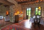 Location vacances  Province de Pérouse - Comfortable Farmhouse in Umbertide with Garden-4