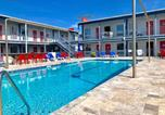 Location vacances Tybee Island - Sea and Breeze Hotel and Condo-4