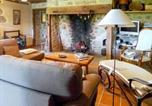 Location vacances  Cantal - Holiday Home Senezergues-3