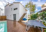 Location vacances Maó - Biniatap de Dalt Villa Sleeps 10 with Pool Air Con and Wifi-1