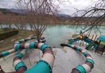 Camping avec Piscine couverte / chauffée Treffort - Camping le Lac Bleu-4