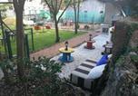Location vacances  Province de Monza et de la Brianza - Night At The Mini Farm-1