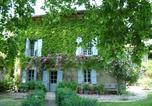 Location vacances Pouy-de-Touges - Chambres d'hôtes Les Pesques-1