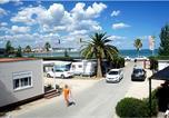 Camping avec Quartiers VIP / Premium Espagne - Camping Ampolla Playa-2