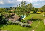 Hôtel Gérone - Masía Can Grau en entorno natural con piscina, jardín y caballos-2