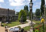 Location vacances  Pontevedra - Hostal Albergue Villa San Clemente-1