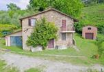 Location vacances  Province de Massa-Carrara - San Vito-Cerreto Villa Sleeps 4 Wifi-3