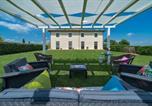 Location vacances Foiano della Chiana - Cortona Villa Sleeps 24 Pool Air Con Wifi-2