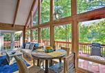 Location vacances Columbus - Saluda Cabin with Deck Situated on Lake Hosea!-1