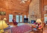 Location vacances Dillard - Pet-Friendly Cozy Cabin with Views By Black Rock!-1