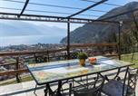 Location vacances  Province de Côme - Locazione Turistica Residenza La Sassicaia - Dgo245-4
