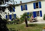 Location vacances Saint-Hilaire-le-Vouhis - Apartment Rue du Lay-1