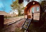 Camping avec Hébergements insolites Ounans - Écodomaine &quote;La Rêverie&quote;-3