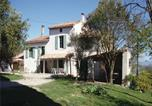 Location vacances Pech-Luna - Seven-Bedroom Holiday home Laurac with a Fireplace 03-1