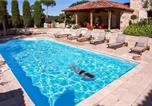 Location vacances Buzet-sur-Baïse - Stunning home in Espiens with Outdoor swimming pool, Wifi and 3 Bedrooms-2