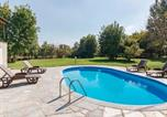 Location vacances Castelnuovo Belbo - Captivating Holiday Home in Incisa Scapaccino with Pool-1
