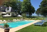 Location vacances Villers-sur-Mer - Superbe Villa Individuelle avec Piscine et Tennis privatifs-1