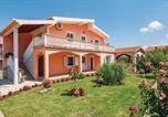 Location vacances Posedarje - One-Bedroom Apartment in Podgradina-1