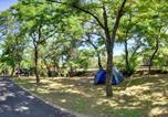 Camping avec Site nature Montclar - Camping Les Airelles-3