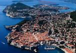 Location vacances Dubrovnik - Stunning apartment in Dubrovnik with Wifi and 2 Bedrooms-1