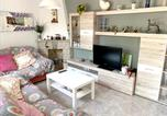 Location vacances Salomó - House with 3 bedrooms in Roda de Bera with enclosed garden and Wifi 2 km from the beach-1