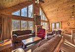 Location vacances Harrisonburg - Cabin with Mtn View, 4 Mi to Massanutten Resort-2