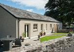 Location vacances Abergavenny - Beautiful Bungalow in Gilwern South Wales with Garden-1