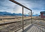 Location vacances Livingston - Romantic Mountain Getaway - 1 Hour to Yellowstone!-1