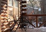 Location vacances Sparta - Woodland Doe Lodge - Lakefront Log Cabin-3