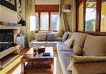 Location vacances Premià de Dalt - Four-Bedroom Holiday Home in El Masnou-2