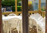 Location vacances  Loir-et-Cher - Bungalow with 2 bedrooms in Onzain with shared pool enclosed garden and Wifi-3