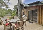 Location vacances Hagerstown - Creekside Berkeley Springs Cabin on 35 Acres!-2