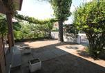 Location vacances  Province de Ferrare - Attractive Holiday Home in Lido di Volano with Beach Nearby-4