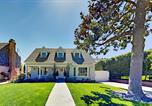 Location vacances Arcadia - Modern Storybook Home - Office & Gourmet Kitchen home-1